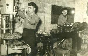 Οι πρώτες εργαλειομηχανές της εταιρίας.