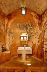 Στη βυζαντινή εκκλησία της Αγίας Αννας θα δείτε τις παλαιότερες χρονολογημένες τοιχογραφίες της Κρήτης
